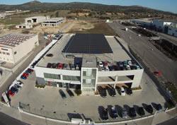 installazione fotovoltaico da 100kWp con moduli sunpower realizzato presso il parcheggio della concessionaria Nissan Toyota a prato sardo - Nuoro