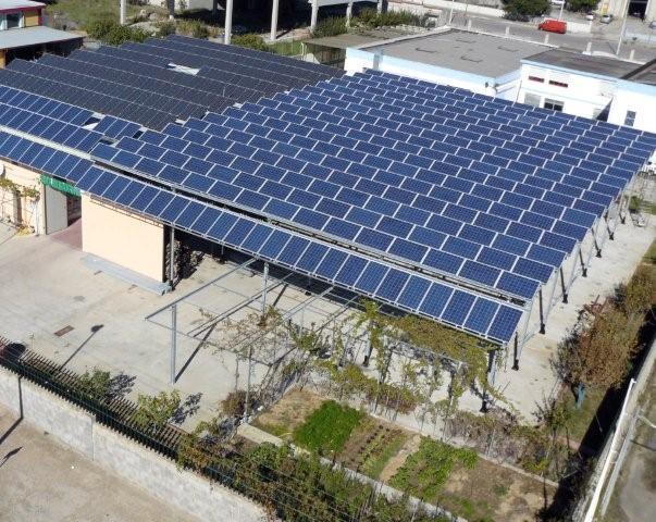 Realizzazione impianto con pannelli fotovoltaici solarworld presso sede della Besan